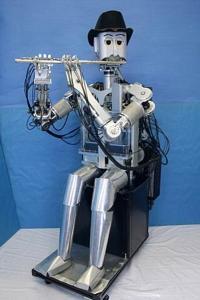 Робот WF-4RIV умеет играть на флейте ...