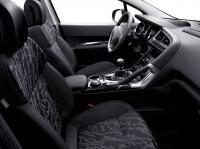 Кроссовер Peugeot 3008 - комплектации, цены ...