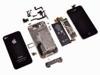 Что стоить знать при покупке б/у iPhone</p> <p>1.Начнем с самого простого: с аксессуаров , как каждому человеку хочется что бы гарнитура и Lightning-кабель были оригинальные а не китайскими</p> <p>Гарнитура<br /> Хочется сказать, что в самых первых подделках вообще отсутствовал логотип Apple на задней крышке и уже по этому можно было определить, что перед Вами подделка, сейчас этого практически не наблюдается. Но, все же, если присмотреться, различия есть — цвет коробки и цвет самих наушников должны быть идентичны, у поддельных китайских наушников они зачастую немного отличаются — коробка светлее самих наушников. Сама коробка выполнена не очень качественно и закрывается довольно туго, поэтому возникают сложности при открытии.</p> <p>Lightning-кабель. У оригинального аксессуара (справа) штекер цельный – выполнен из единого металлического элемента. У подделки (слева) коннектор состоит из нескольких частей. Металлический наконечник оригинала очень аккуратно впрессован в пластиковый кожух, в то время как копия имеет заметные зазоры/</p> <p>2 Перед тем как выехать за телефоном надо взять с собою обычную канцелярскую скрепку, зачем вы спросите ? Сейчас все объясню.Скрепка будет нам нужна для того что бы вынуть слот для сим-карты. Внимательно посмотрите на слот для сим карты, на него нанесена гравировка с IMEI номером телефона, она должна совпадать с IMEI номером аппарата.</p> <p>3 Выключить iPhone длительным нажатием клавиши включения,телефон должен выключиться сразу и без каких либо проблем и колебании</p> <p>4 Если на экране нанесена защитная пленка — снимите, пленка хорошо скрывает возможные царапины экрана.</p> <p>5 Проверьте боковые клавиши отключения звука,регулятор громкости, кнопка включения на блокирование аппарата. Все кнопки должны нажиматься легко и срабатывать сразу</p> <p>6 Проверьте кнопку home, она должна нажиматься мягко, с небольшим щелчком</p> <p>7 Желательно взять c собою ноутбук с уже установленным ITunes и подключить к этой программе ваш iPhone, посл