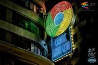 15 вещей, которые Chrome умеет делать без расширений</p> <p>Браузер Google за последние пять лет вырвался далеко вперёд по числу пользователей в сравнении с конкурентами. Разработчики Chrome всегда делали упор на скорость работы, а не на функциональность, которая может расширяться до бесконечности благодаря расширениям. И всё же, разменяв четвёртый десяток версий, браузер научился делать множество вещей и без всяких расширений. Ниже мы предлагаем вам список из 15 самых полезных советов и трюков для Google Chrome, которые помогут вам добиться большего от любимого браузера, не используя никаких расширений.</p> <p>1. Сохранять веб-страницы в PDF</p> <p>Google Chrome имеет встроенный PDF-принтер. Откройте любую страницу, нажмите Ctrl + P в Windows (или Cmd + P в OS X) и выберите «Сохранить как PDF» из списка доступных принтеров, чтобы загрузить страницу в виде документа PDF.<br /> 2. Устанавливать пользовательские сочетания клавиш</p> <p>Google Chrome поддерживает множество клавиатурных сочетаний, но вы можете не только изменять их, но и создавать свои собственные «горячие клавиши» для запуска приложений Chrome.</p> <p>3. Выборочно чистить историю посещённых сайтов</p> <p>История Google Chrome (chrome://history) не имеет пункта «Выбрать всё», и чтобы удалить, например, 20 посещённых страниц, вам надо отметить все 20 галочками. Однако если отметить первый элемент, а затем, удерживая Shift, кликнуть на последний нужный вам чекбокс, отметятся все элементы списка между ними.</p> <p>4. Устанавливать расширения не из магазина Chrome</p> <p>Последние версии браузера не позволяют устанавливать сторонние расширения, не прошедшие проверку в магазине Chrome. Обойти это можно, включив в меню браузера режим разработчика и перетащив мышью файл c расширением CRX в окно браузера.</p> <p>5. Ускорить тормозящий Chrome</p> <p>Google Chrome может начать тормозить спустя несколько часов непрерывного сёрфинга. Самое простое решение — перезапуск браузера, однако нередко дело не в самом браузе