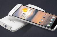Oppo N1: 10 декабря поступит в продажу этот интереснейший Android-смартфон.</p> <p>Oppo N1, новейший флагманский Android-коммуникатор китайской фирмы, появится в международной рознице 10 декабря по цене 600 долларов в США и 450 евро в Европе. Изделием уже можно обзавестись в родном Китае.</p> <p>Основной «фишкой» Oppo N1 стала камера. Она предлагает 13-мегапиксельный КМОП-датчик физических размеров 1/3,06 дюймов, объектив с широкой диафрагмой F/2.0, двойную светодиодную вспышку (одна яркая, вторая мягкая) и особый процессор PureImage для обработки изображений, подготовленный в сотрудничестве с Fujitsu. Oppo позиционирует N1 первым Android-смартфоном, получившим оптику из шести линз (как в Nokia Lumia 1020). Заявлено, что на первую фотографию уходит лишь 0,6 с: достаточно быстро вытащить коммуникатор из кармана.</p> <p>Модуль камеры способен поворачиваться вперед-назад на 206 градусов, то есть ею можно пользоваться и для фронтальной съемки, например во время видеочатов.</p> <p>В комплект поставки N1 входит цепляемый на брелок ключей Bluetooth-аксессуар O-Click, при помощи которого выполняется дистанционное (до 50 м) управление камерой (что полезно для групповых снимков с участием самого владельца телефона). O-Click пищит, когда приходит новое сообщение или когда вы слишком далеко отходите от телефона (чтобы не забыть его или не потерять). Справедливо и обратное: N1 поможет отыскать затерявшиеся ключи.</p> <p>Второй «изюминкой» N1 является сенсорная область O-Touch на тыловой стороне корпуса (ее размеры — 40 на 30 мм), которая откликается на жестовое управление: обычное и длительное касание, смахивание, двойное прикосновение. При помощи тачпада, который фактически невидим, легко заставить телефон перейти к воспроизведению следующей песни или пролистать веб-страницу, выполнить какое-либо предварительно заданное действие, допустим, сфотографировать или включить диктофон. Разработчикам игр открыты соответствующие API-наборы, дабы те смогли наделить софтверные детища допо