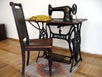 Швейная машинка с ножным